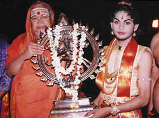Pushpagiri award by Sri Jagadguru Shankara Charya